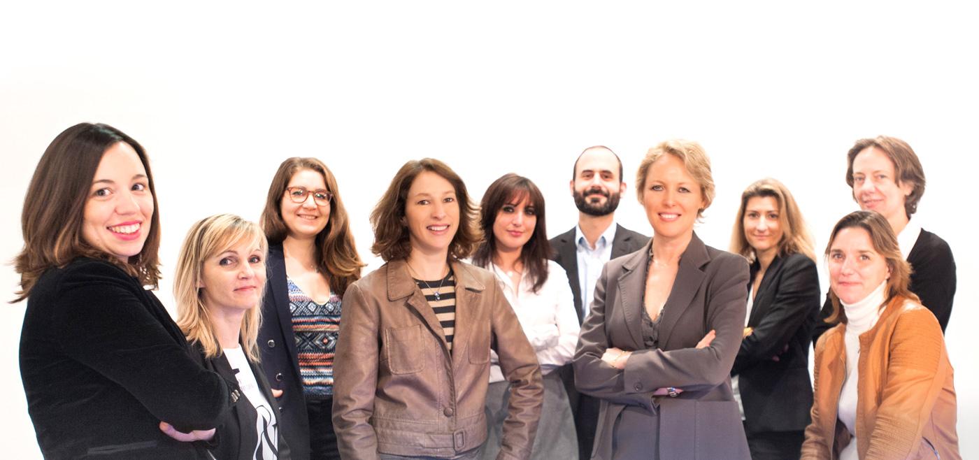 Photographie du groupe de l'équipe du cabinet d'avocats LMC Partenaires